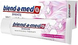 """Parfumuri și produse cosmetice Pastă de dinți """"Înălbire pentru dinți sensibili"""" - Blend-a-Med 3D White Whitening Therapy Sensitive"""