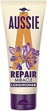 Parfumuri și produse cosmetice Balsam regenerant pentru păr deteriorat - Aussie Repair Miracle Conditioner