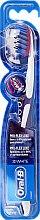 Parfumuri și produse cosmetice Periuța de dinți, moale, violetă - Oral-B Proflex 3D White Luxe 38 Soft
