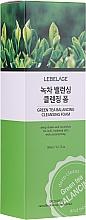 Parfumuri și produse cosmetice Spumă cu extract de ceai verde pentru curățarea feței - Lebelage Green Tea Balancing Cleansing Foam
