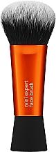 Parfumuri și produse cosmetice Pensulă pentru fond de ten - Real Techniques Mini Expert Face Brush Base