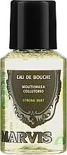 Parfumuri și produse cosmetice Agent de clătire pentru cavitatea bucală - Marvis Concentrate Strong Mint Mouthwash (mini)