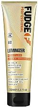 Parfumuri și produse cosmetice Șampon hidratant pentru protejarea culorii părului vopsit și deteriorat - Fudge Luminizer Moisture Boost Shampoo