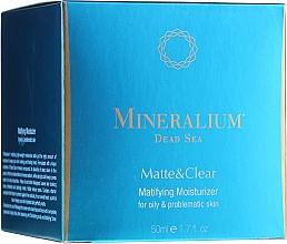 Parfumuri și produse cosmetice Cremă matifiantă pentru ten gras și problematic - Mineralium Dead Sea Matte & Clear