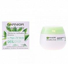 Parfumuri și produse cosmetice Cremă hidratantă de față - Garnier Skin Active Mattifying Moisturizing Cream