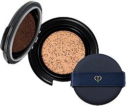 Parfumuri și produse cosmetice Cushion tonal cu efect strălucitor - Cle De Peau Beaute Radiant Cushion Foundation