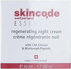 Parfumuri și produse cosmetice Crema regeneratoare de noapte - Skincode Essentials Regenerating Night Cream