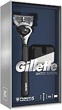 Parfumuri și produse cosmetice Set - Gillette Fusion5 ProShield Chill (aparat de ras/1psc + suport)
