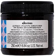 Parfumuri și produse cosmetice Balsam pentru păr natural și vopsit (bleu marine) - Davines Alchemic Conditioner Marine Blue