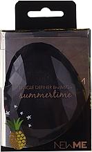 Parfumuri și produse cosmetice Pieptene, neagră - Beauty Look Tangle Definer Brush & Go