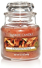 """Parfumuri și produse cosmetice Lumânare parfumată """"Beţișoare de scorţişoară"""" - Yankee Candle Cinnamon Stick"""