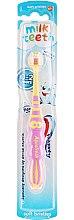 """Parfumuri și produse cosmetice Periuță de dinți pentru copii """"Primul meu dinte"""", roz-galben - Aquafresh Milk Teeth"""