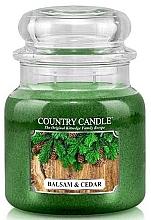 Parfumuri și produse cosmetice Lumânare aromată în suport de steclă - Country Candle Balsam & Cedar