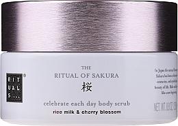 Parfumuri și produse cosmetice Scrub de corp - Rituals The Ritual of Sakura Body Scrub