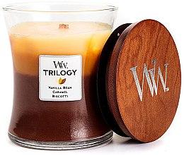 Parfumuri și produse cosmetice Lumânare aromată în suport de sticlă - Woodwick Cafe Sweets Trilogy Vanilla Bean Caramel