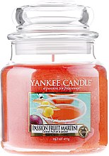 Parfumuri și produse cosmetice Lumânare în borcan din sticlă - Yankee Candle Passion Fruit Martini