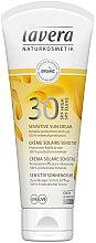 Parfumuri și produse cosmetice Cremă de protecție solară pentru piele sensibilă - Lavera Sensitive Sun Cream SPF 30