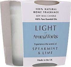 """Parfumuri și produse cosmetice Lumânare parfumată """"Menta și Tei"""" - AromaWorks Light Range Spearmint & Lime Candle"""