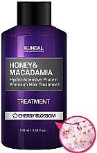 "Parfumuri și produse cosmetice Balsam de păr ""Flori de cireș"" - Kundal Honey & Macadamia Treatment Cherry Blossom"
