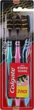 """Parfumuri și produse cosmetice Periuțe de dinți """"ZigZag. Cărbune"""" medii, albastru + turcoaz + roz - Colgate"""