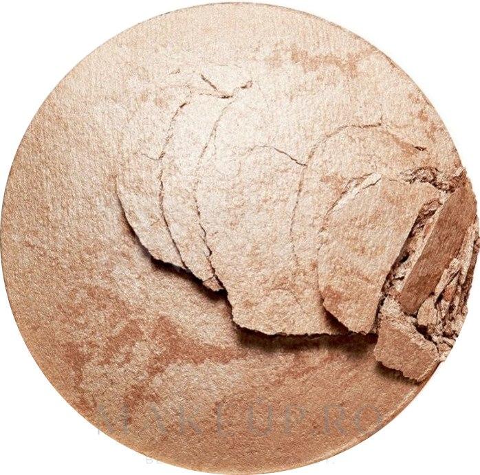 Bronzer pentru față - Makeup Revolution Reloaded Powder Bronzer — Imagine Holiday Romance