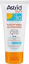 Parfumuri și produse cosmetice Cremă de protecție solară Q10 pentru față SPF30 - Astrid Sun Protecting Face Cream Q10 SPF30