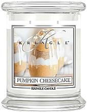 Parfumuri și produse cosmetice Lumânare aromatică, în borcan - Kringle Candle Pumpkin Cheesecake