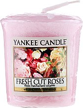 """Parfumuri și produse cosmetice Lumânare parfumată """"Prospețimea trandafirilor """" - Yankee Candle Scented Votive Fresh Cut Roses"""