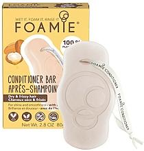 Parfumuri și produse cosmetice Balsam solid cu ulei de argan pentru păr uscat și creț - Foamie Kiss Me Argan Conditioner