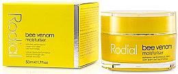 Parfumuri și produse cosmetice Cremă hidratantă cu venin de albine pentru față - Rodial Bee Venom Moisturiser