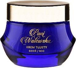 Parfumuri și produse cosmetice Cremă nutritivă cu efect de netezire și regenerare - Pani Walewska Classic Rich Day and Night Cream