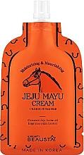 Parfumuri și produse cosmetice Cremă cu ulei de cal pentru față - Beausta Jeju Mayu Cream