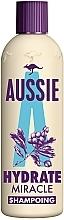 Parfumuri și produse cosmetice Șampon pentru părul deteriorat - Aussie Miracle Moist Shampoo