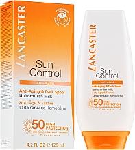 Parfumuri și produse cosmetice Lapte anti-îmbătrânire de protecție solară, împotriva petelor pigmentare SPF50 - Lancaste Sun Control Body Uniform Tan Milk Spf 50
