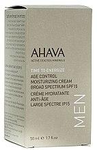 Parfumuri și produse cosmetice Cremă de față cu efect de hidratare și întinerire pentru bărbați SPF15 - Ahava Age Control Moisturizing Cream SPF15