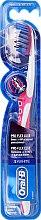Parfumuri și produse cosmetice Periuță de dinți, moale, roză - Oral-B Proflex 3D White Luxe 38 Soft