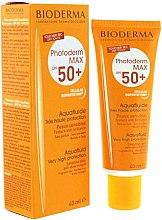 Parfumuri și produse cosmetice Fluid protector ten sensibil SPF 50+ - Bioderma Photoderm Max SPF50+ Aquafluid