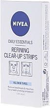 Parfumuri și produse cosmetice Benzi moi pentru curățare - Nivea Visage Clear Up Strips