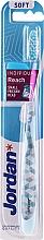 Parfumuri și produse cosmetice Periuță de dinți, albastru deschis, cu capac de protecție - Jordan Individual Reach Soft Toothbrush