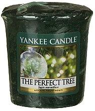 Parfumuri și produse cosmetice Lumânare aromatică - Yankee Candle The Perfect Tree