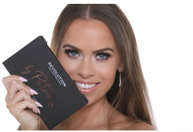 Farduri de ochi - Makeup Revolution X Petra 36 Shade Eyeshadow Palette — Imagine N3