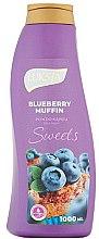 Parfumuri și produse cosmetice Spumă de baie - Luksja Sweets Blueberry Muffin Bath Foam