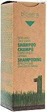 Parfumuri și produse cosmetice Șampon pentru scalp gras - Salerm Biokera Specific Oil Hair Shampoo
