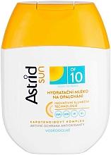Parfumuri și produse cosmetice Lapte protecție solară hidratant SPF 10 - Astrid Sun Moisturizing Suncare Milk
