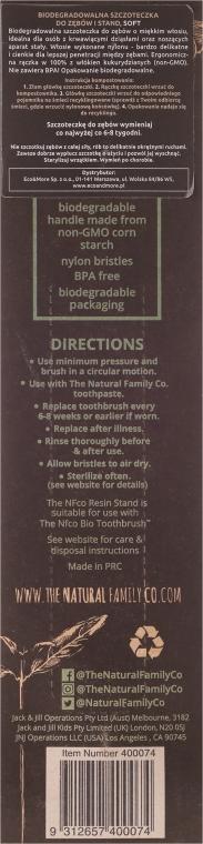 Periuță de dinți pentru copii, moale - The Natural Family Co Bio Brush & Stand Pirate Black — Imagine N2