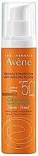 Parfumuri și produse cosmetice Cremă de protecție solară pentru ten gras și problematic - Avene Solaire Cleanance Tinted SPF50+ Sun Cream