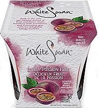 """Parfumuri și produse cosmetice Lumânare aromată """"Fructul pasiunii"""" - White Swan Lovely Passion Fruit"""