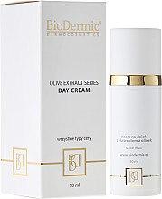 Parfumuri și produse cosmetice Cremă de zi pentru față - BioDermic Olive Extract Day Cream