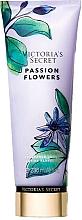 Parfumuri și produse cosmetice Loțiune de corp - Victoria's Secret Passion Flowers Lotion