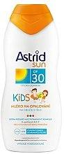 Parfumuri și produse cosmetice Lapte de protecție solară pentru copii - Astrid Sun Kids Milk SPF 30
